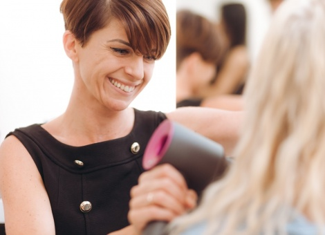 Gute Friseure sind durch nichts zu ersetzen – jetzt bewerben...